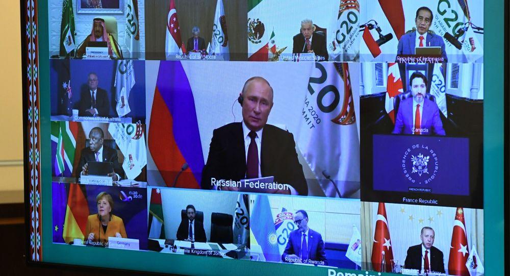 Putin: Rusia, gata să ofere tuturor vaccinul anti-COVID-19 - Video