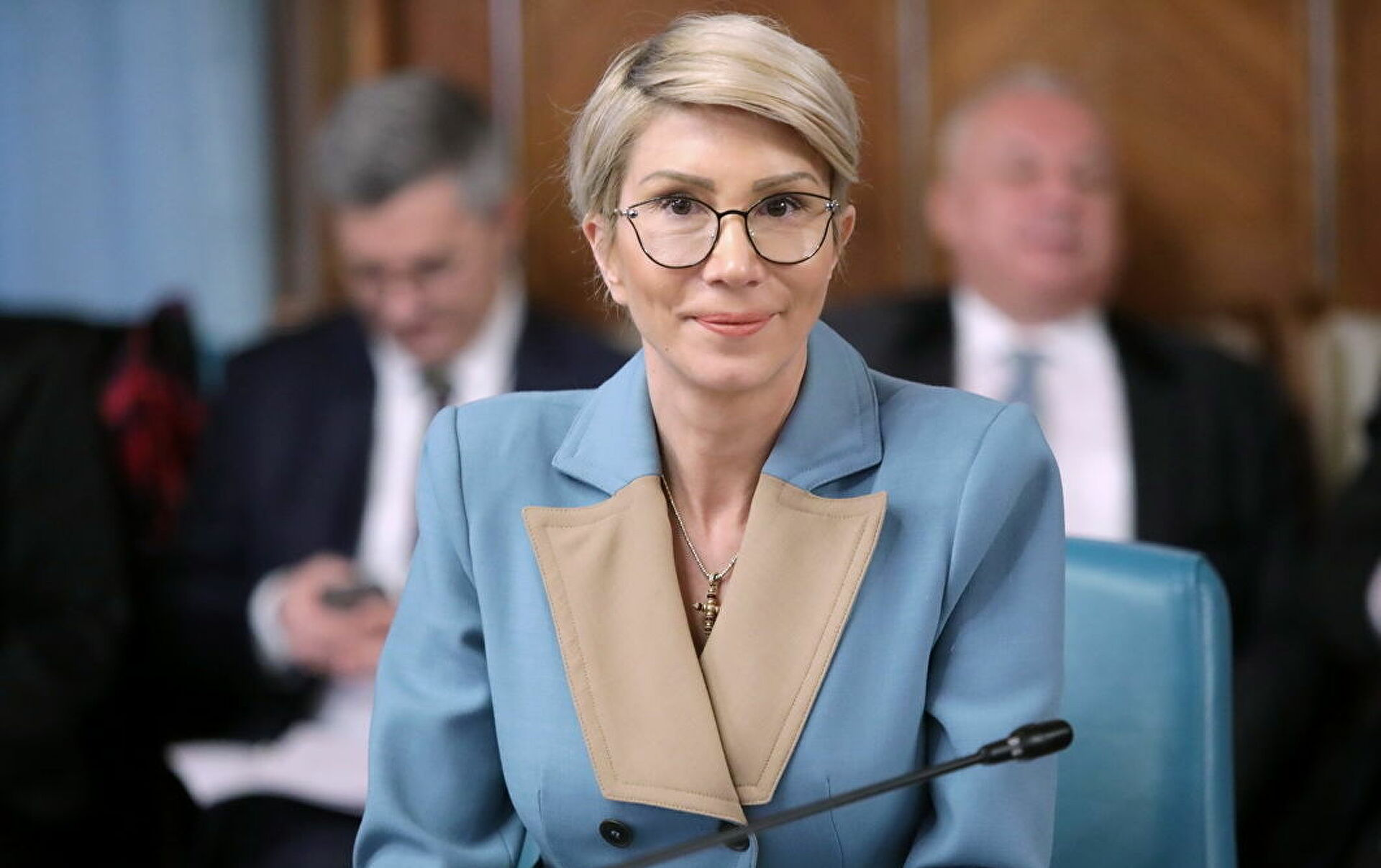 """Gafa colosală făcută de Raluca Turcan. Cui i-a spus Ministrul Muncii """"La mulţi ani!"""""""